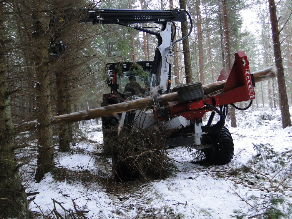 HYPRO 755 HB Wheelcarried Tractor processor/Thinning processor