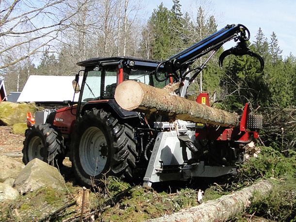 HYPRO 755 Tractor processor/Thinning processor